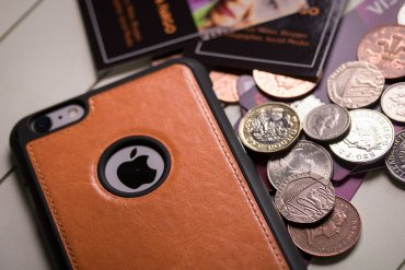 What Mel Did - iPhone, money and credit cards